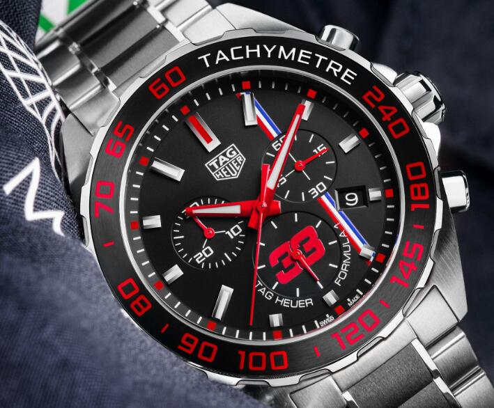 Forever replication watches online are advanced with steel and ceramic.