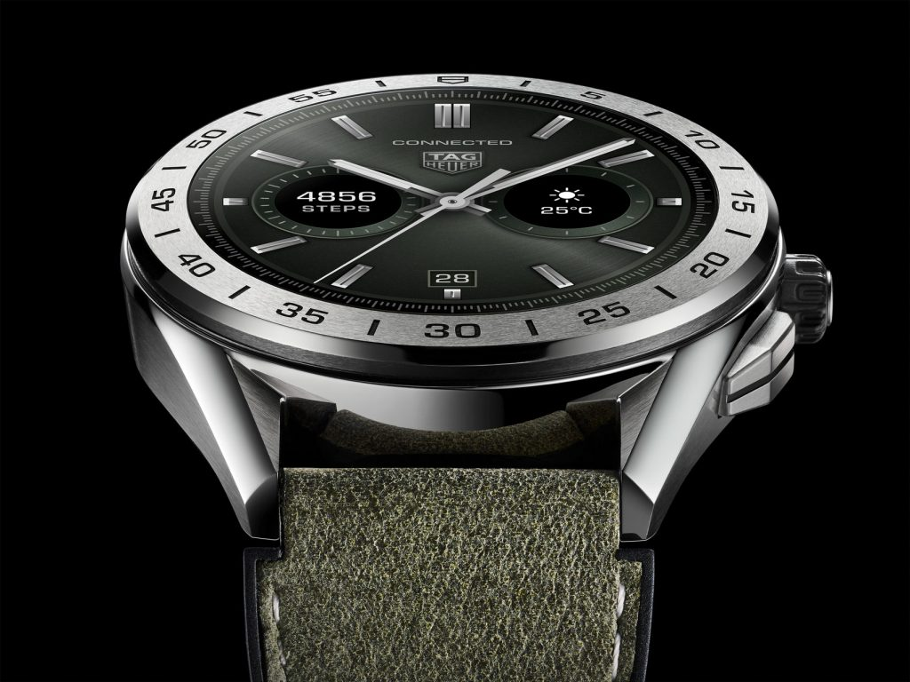 TAG Heuer Connected fake watch is good choice for modern men.