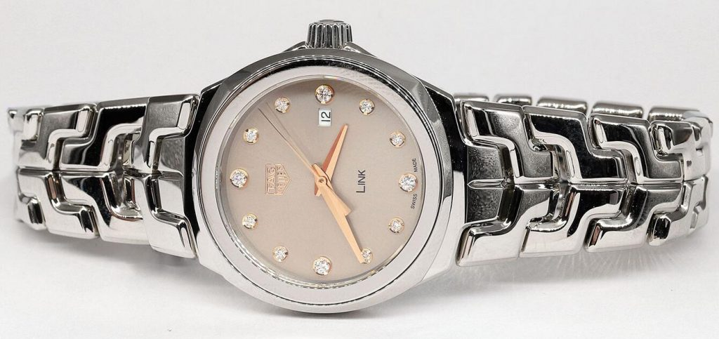 Online fake watches are elaborate for the 32mm designed cases.