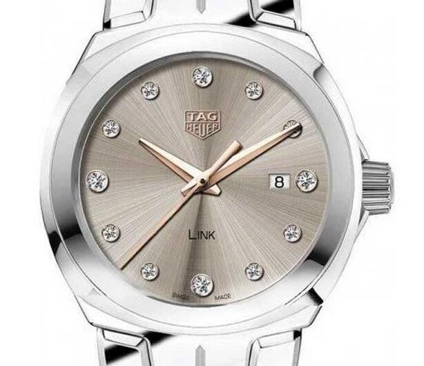 Swiss made replica watches ensure the luxury feeling with diamonds.